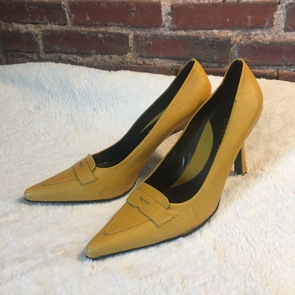 Gianni Bini scarpe   giallo Croc Heels    Heels Poshmark 443a7d